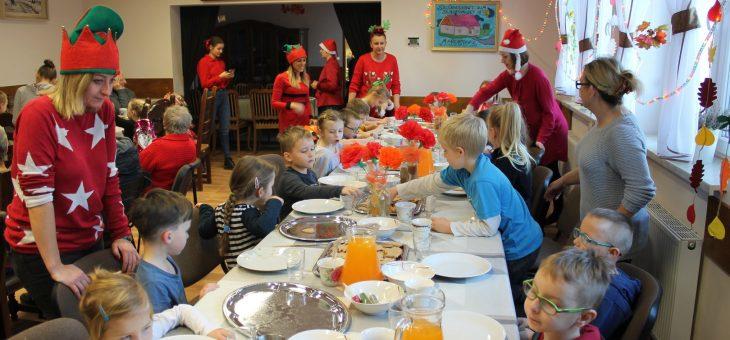 Wizyta dzieci z Przedszkola w Purdzie z okazji Mikołajek